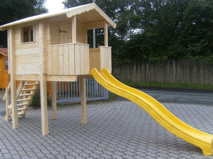 Kinder Spielturm